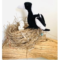 Magpie Finger Puppet