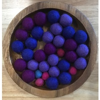 Wooden Flat Bowl & Evening Sky Felt Balls