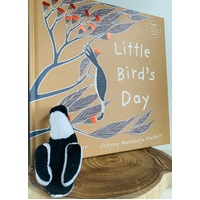 Little Bird's Day Book & Magpie Finger Puppet Set